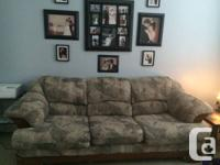 We are offering a very tidy and comfy  sofa. The sofa