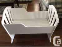 """""""Stork Craft"""" brand Cradle, Canadian made of durable"""