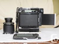 Graflex medium format film camera is in fair condition.