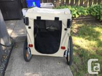 Excellent like new condition pet bike trailer. Hook up