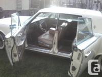 Make Lincoln Model Continental Year 1964 Colour Cream