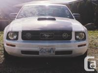 Make Ford Model Mustang Year 2009 Colour Custom white