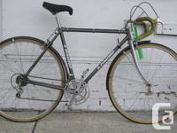 """Wheel 27"""" Frame 21"""" Excellent condition Location and"""