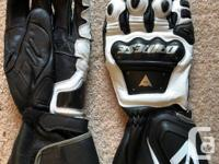 Dainese race gloves never worn except to try on in the