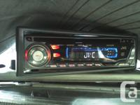 Deck CD Player  JVC KD-G300 MP3, plays CDs, CD-Rs, and