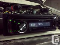 Deck CD Player Pioneer DEH-P3100UB MP3, plays CDs,