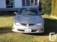 Make Pontiac Model Sunfire Year 2003 Colour Gold kms