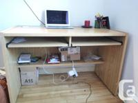 Hi! I'm moving out and selling a light wooden desk for