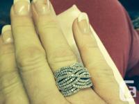 Huge Diamond Ring. 1 ct of diamonds. 10k yellow and
