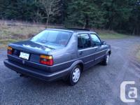 Make Volkswagen Design Jetta Year 1989 Colour Grey kms