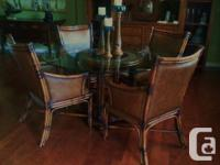Rare Discover! This really attractive DINING-ROOM