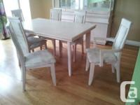 Gorgeous dining room set - ideal for large family.