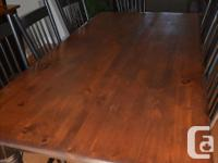"""Gorgeous solid pine dining room table 84' x 42"""" with 8"""