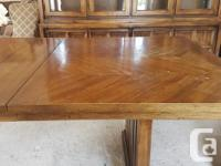 Very good condition / high quality dining room set.