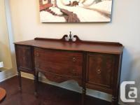 Beautiful Dining room table, pedestal legs - measures