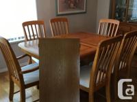 *** Excellent Condition *** Full dining room suite,