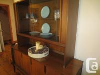 Duncan Phyfe dining table and 4 chairs. Sides fold