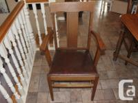 Gorgeous Dining Room Table with 6 chairs (one captain's