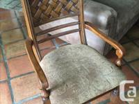 Beautiful and flawless inlaid table top, six chairs (
