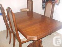 I am selling an attractive strong oak kitchen table