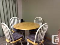 Round kitchen table (36 x 36) as well as 4 chairs with