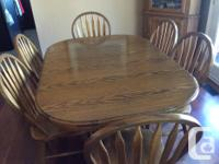 Rectangular Oak Table and six chairs in excellent