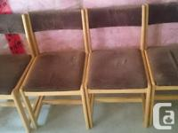 I am selling a dining table with 4 chairs included.