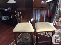 """Counter Height Table and 4 chairs. Includes 14"""" leaf."""