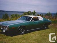 Dodge Charger 1974 moteur V8 318 refait, de couleur