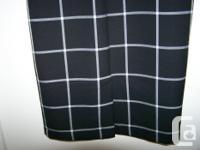 Ladies dress - black w/large checker design Fits like