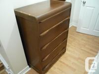 Pair of 4 drawer dresser in great condition from smoke