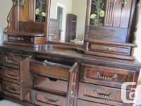 Very nice dark pine 6' wide dresser with detachable