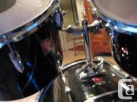 "5-piece Drum kit 14"" snare drum 13"" tom tom 14"" tom"