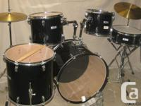 Network 5 pce drumset with hardware &  dixon