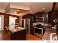 # Bath 4 Sq Ft 1250 MLS 590400 # Bed 2 Luxury