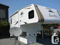 2016 Eagle Cap 1165 Eagle Cap Triple Slide Camper fits