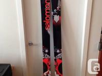 These are a pair of BRAN SPANKING NEW 194 Salomon El