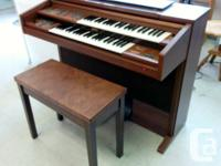 Made use of yamaha electone body organ & bench for sale  British Columbia