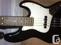 $200obo Renegade Electric Bass Guitar Peavy 20W Bass