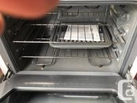 Electric Range, Clean and excellent condition, I am in