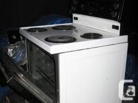 Electric stove ( Beaumark) 30 inches wide in great
