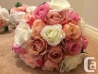 Full wedding set includes 1 bride bouquet 4 bridesmaids
