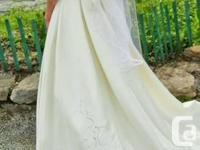 JAI Bridal - Purchased new for over 2000$. I'm letting