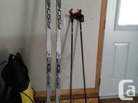 Equipement complet de ski de fond standard. Utilisez