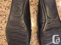 Black leather shoes. In excellent condition, hardly