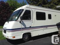 """Salut  jai une tres bonne caravan 32"""" Pursuit 1996,tres"""