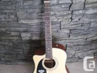 I am selling my 4 year old Fender Lefty Acoustic