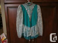 In excellent shape dress and legging dress about a size