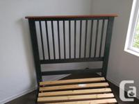THIS SINGLE SIZE SOLID PINE HEAD BOARD ,COMES WITH A