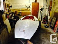 High performance sail boat. One or two person. The Boat
